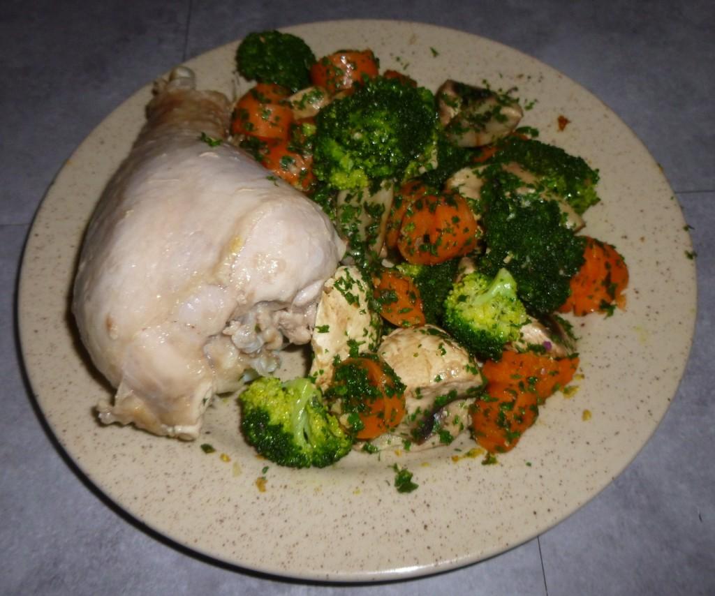 Poulet accompagné de légumes vapeur