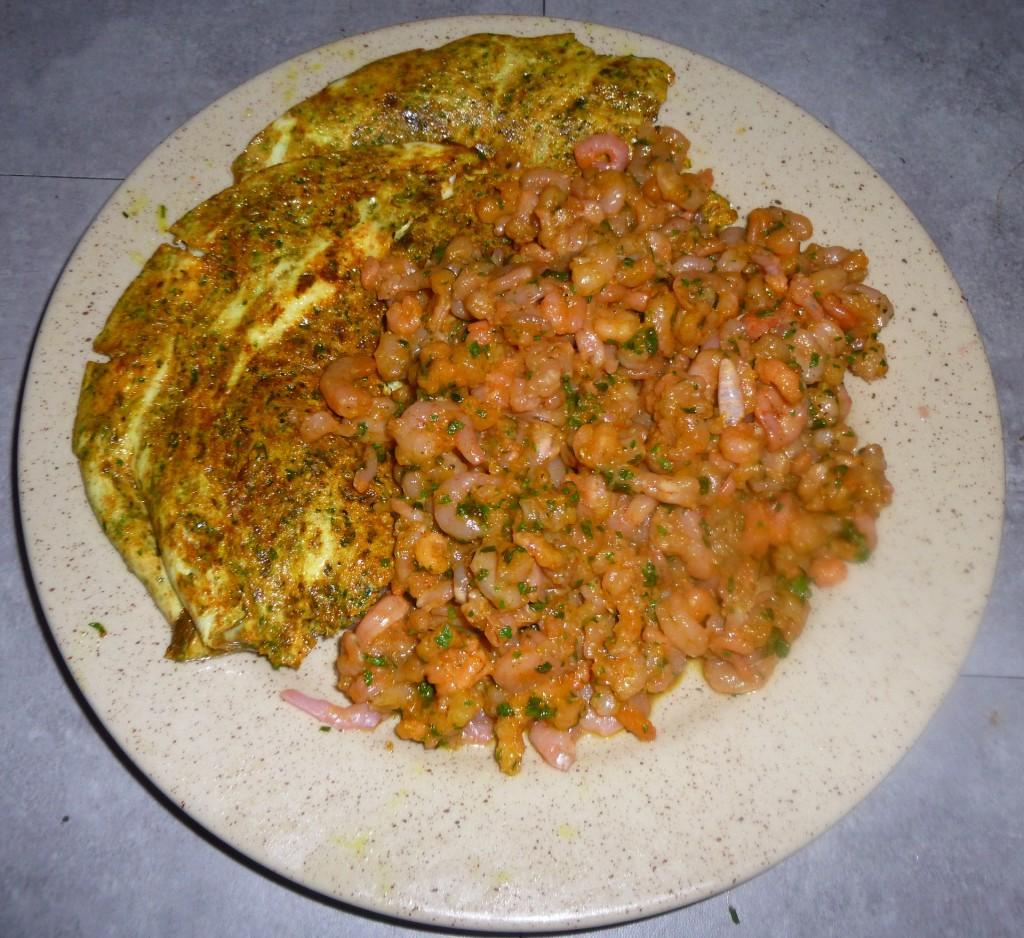 Crevettes avec œufs et légumes